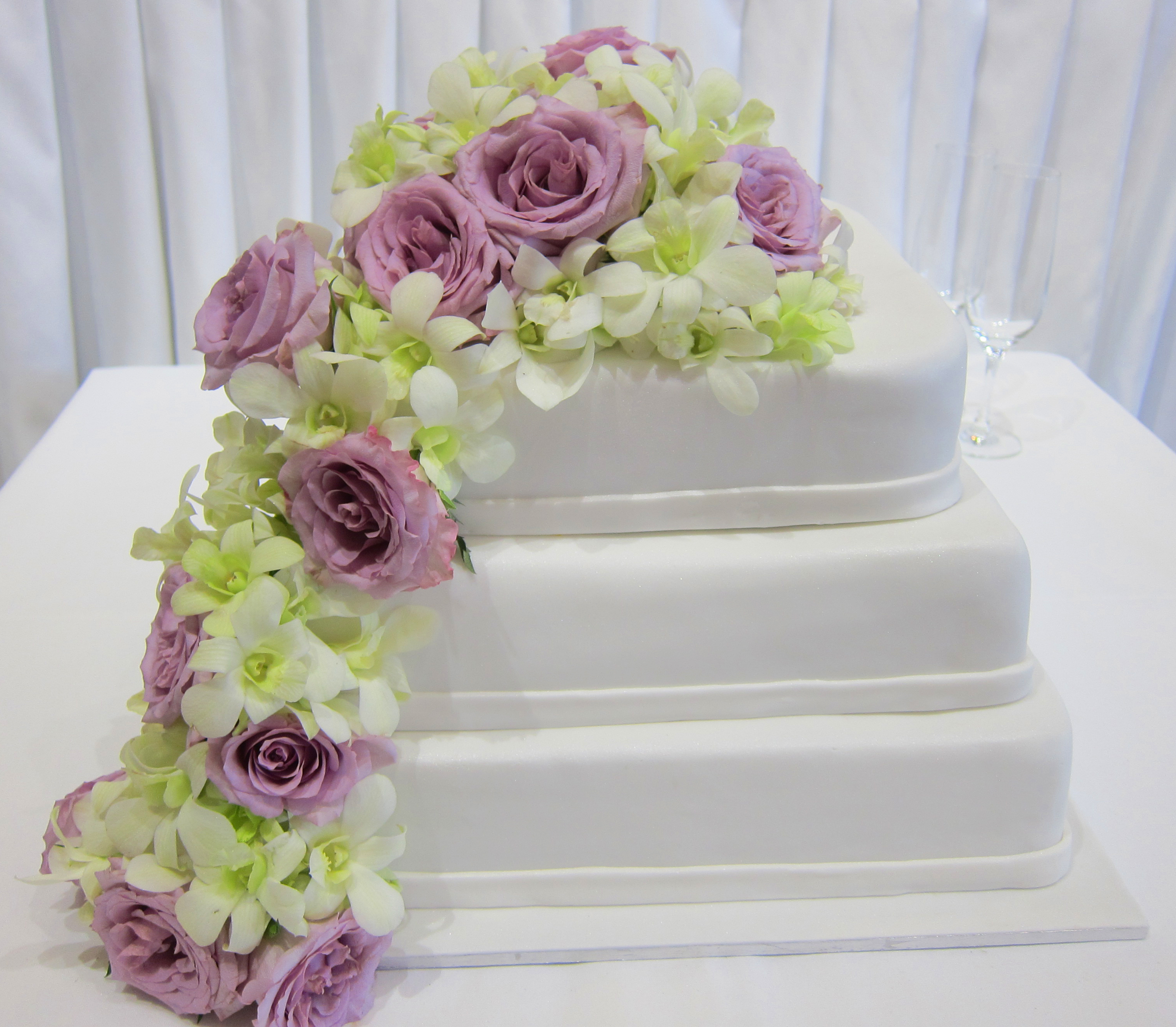 fresh flowers on wedding cakes pictures fresh flower wedding cake 14482